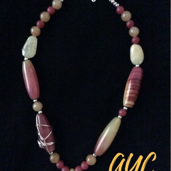 Beaded Necklace With Tropical Color Agate and Wire Accent